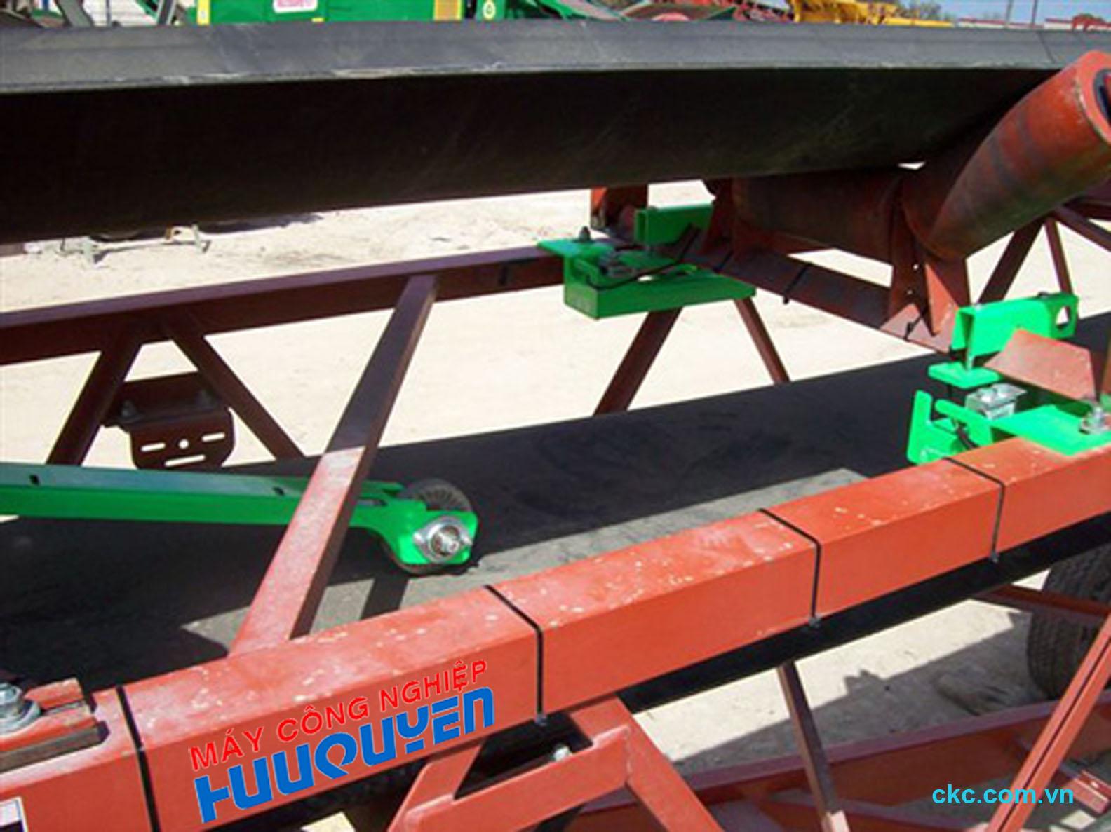 Modul loadcell cân khối lượng nguyên liệu chạy trên băng tải lòng máng